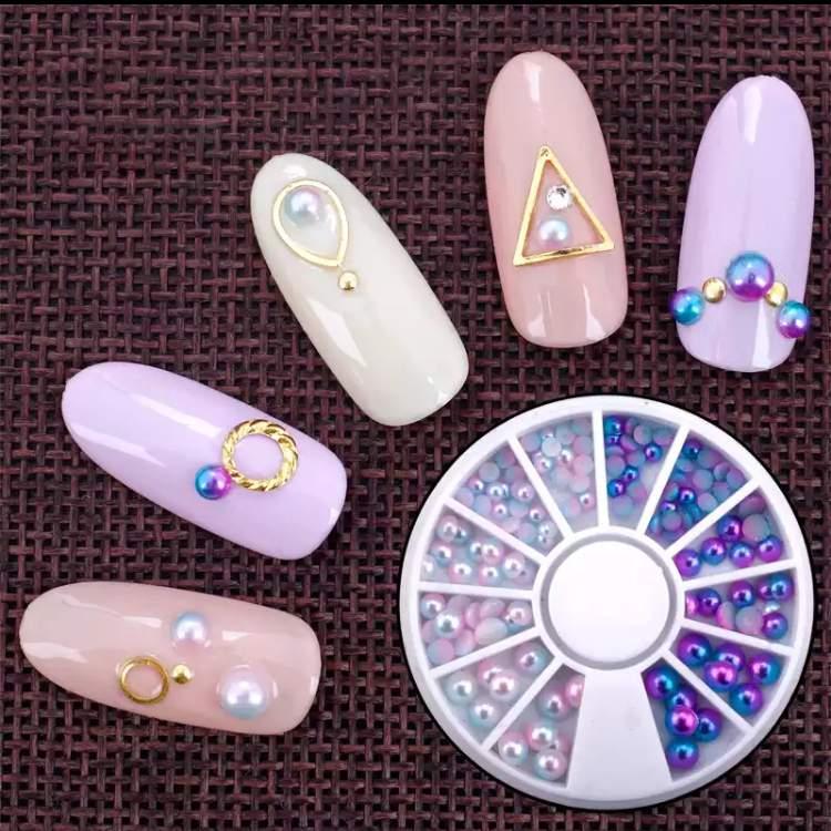 Kétféle színjátszós flat gyöngy különböző méretben